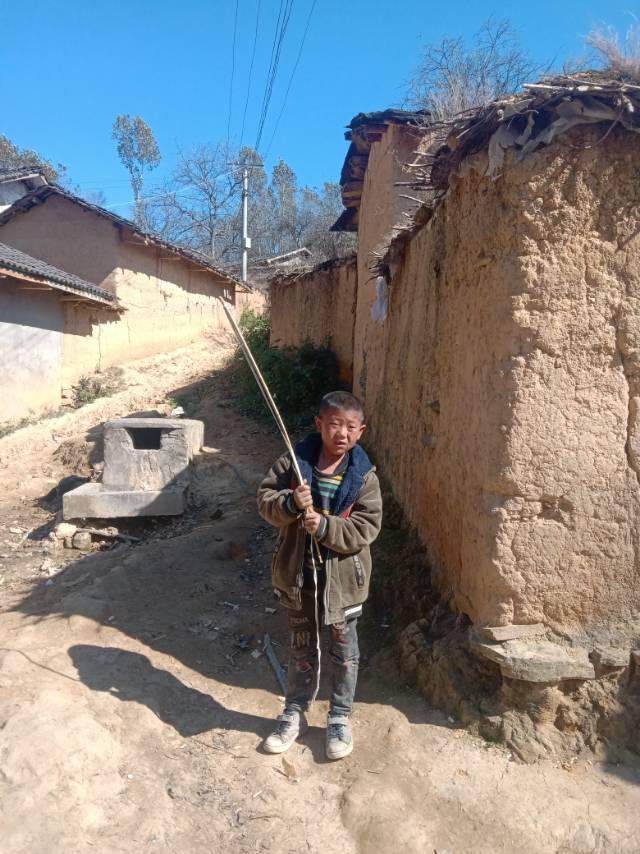 年间拜访贫困山区